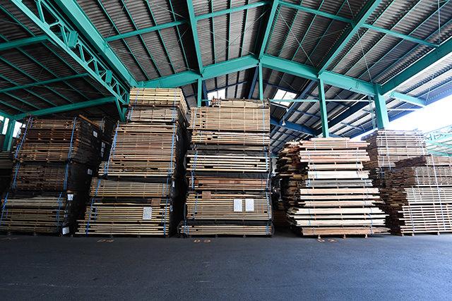 全ての無垢材がここにあります - 木材倉庫